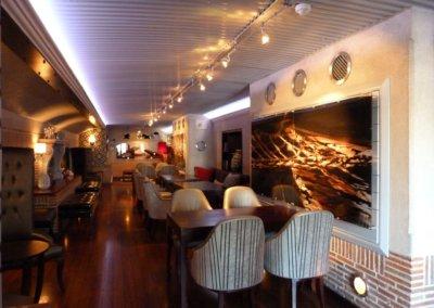 Cape Grace Bascule Bar